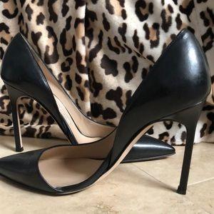 Manolo Blahnik Stresty black leather pump